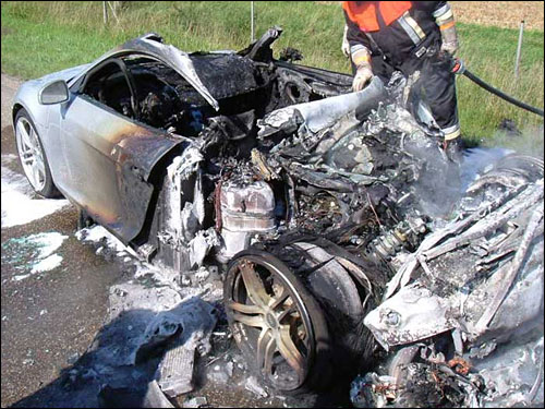 accident audi r8 crash photo sortie de route