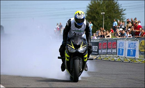 Simon MTZ stunt moto stunter alsace burn photo photos