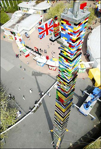 la plus haute tour en lego du monde