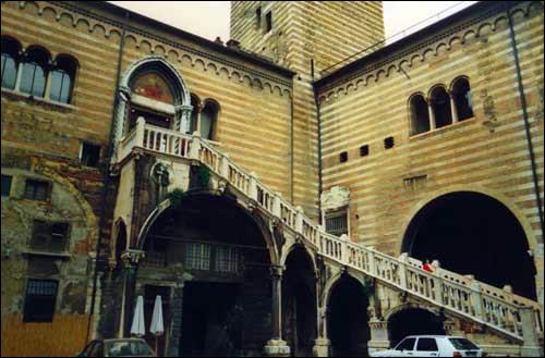 photo balcon romeo juliette verone verona italie italia