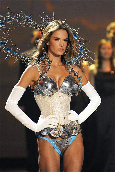 victoria secret fashion show 2009 Alessandra Ambrosio photo