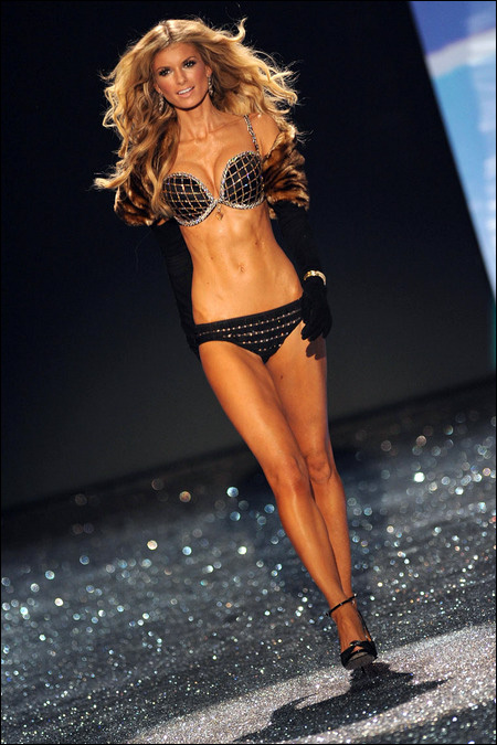 victoria secret fashion show 2009 Marisa Miller photo