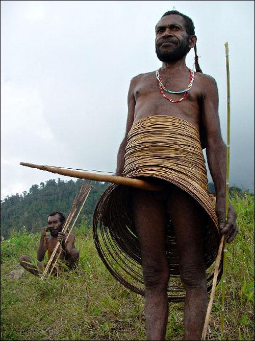 photo vuvuzela penis tribu amazonienne etui penin