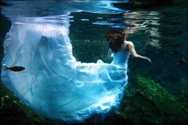 photographe de mariage pas cher robe de mariee piscine mer ocean