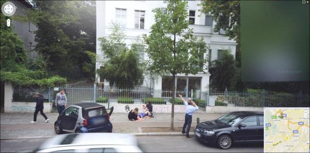 google maps streetview naissance bebe accouchement sur le trottoir