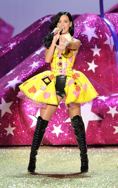 Victoria Secret Fashion Show 2010 video hd trailer photos hq lip dub