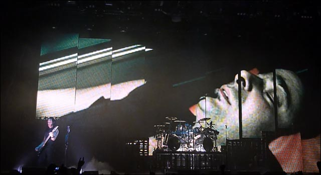 Disturbed concert 2010 video hd live show awesome watch it