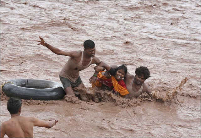 best of photos 2010 Reuters 2011 inondation Pakistan desastre humain