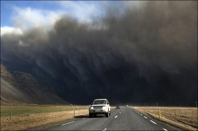 photo volcan Eyjafjoll islande impresionnant tornade cyclone
