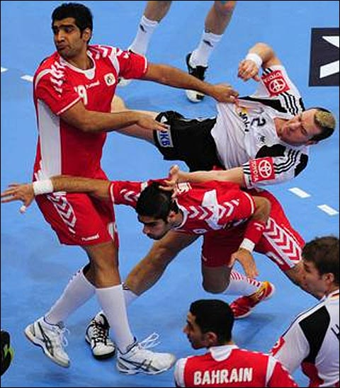 photo acrobate acrobaties handball france champion du monde 2011