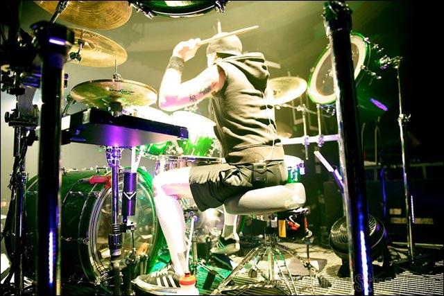 photo concert live Bullet For My Valentine Fever tour BMFV batteur