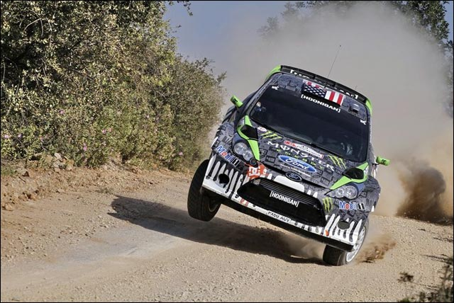Ken Block crash Portugal rallye WRC photo Fiesta RS sur une seule roue