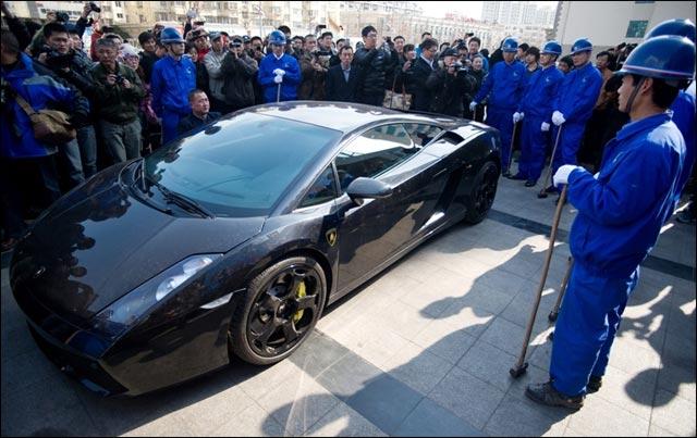 massacre Lamborghini Gallardo L140 photo detruite Chine casse
