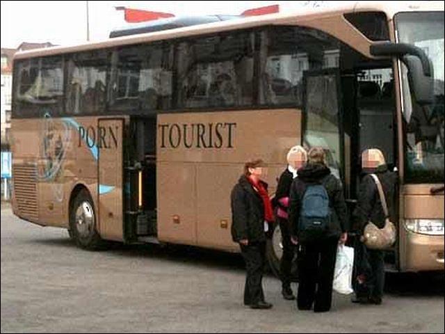 bangbus porn tourist bus allemand photo insolite