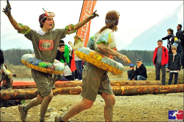 photo hd gratuite course StrongmanRun Suisse Thun 2011 boue canard