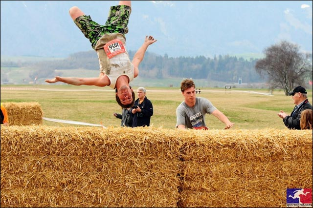 photo hd gratuit course StrongmanRun Suisse Thun 2011 salto
