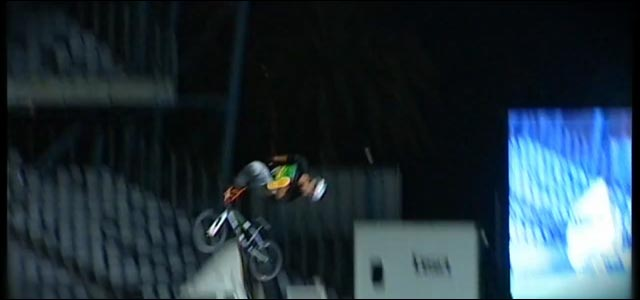 bmx backflip Special Flip Greg Powell video hd Red Bull tutoriel flip