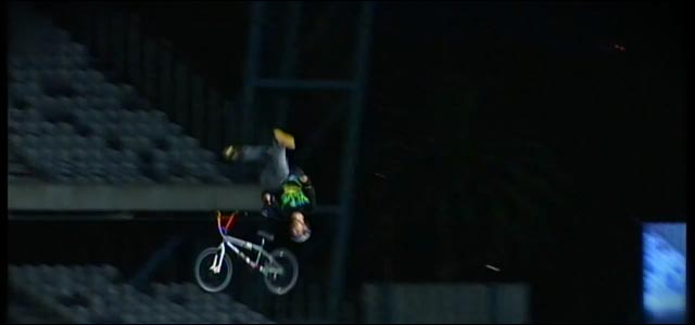 comment faire bmx backflip Special Flip Greg Powell video hd Red Bull