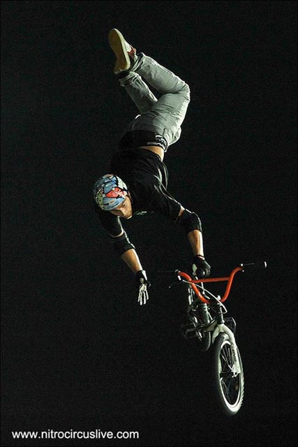 Red Bull show americaine BMX Greg Powell video photo officielle trick
