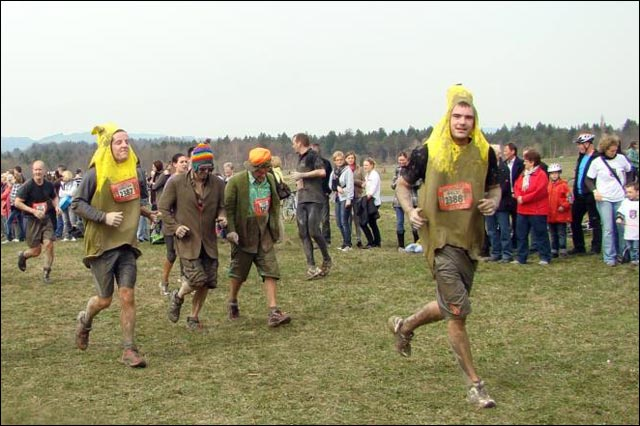 photo hd course Strongman Run Suisse Thoune Thun 2011 banane