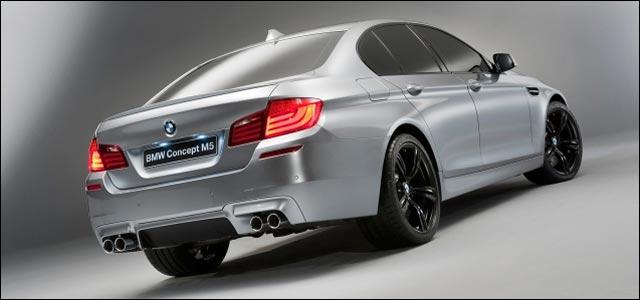 presentation salon auto BMW concept M5 F10 F11 2011 2012 moteur de annee