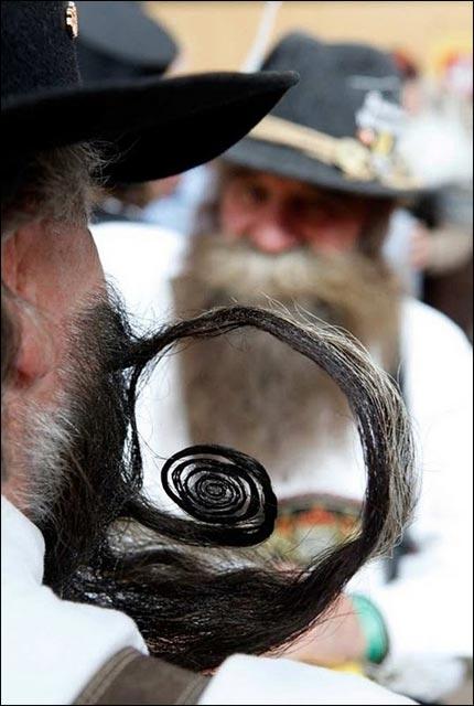 championnat du monde moustache barbe bouc photo video hd