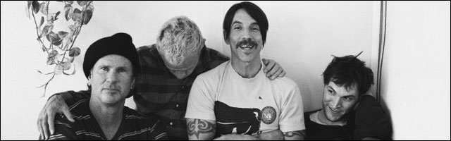RHCP new album 2011 Red Hot Chili Peppers I'm With You - Available 8 aout 2011