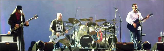 video hd concert live SYSTEM OF A DOWN Greenfield 2011 SOAD