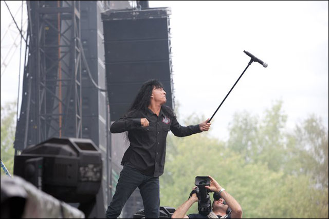 photo hd Joey Belladonna chanteur Anthrax concert live Sonisphere Festival 2011 FR