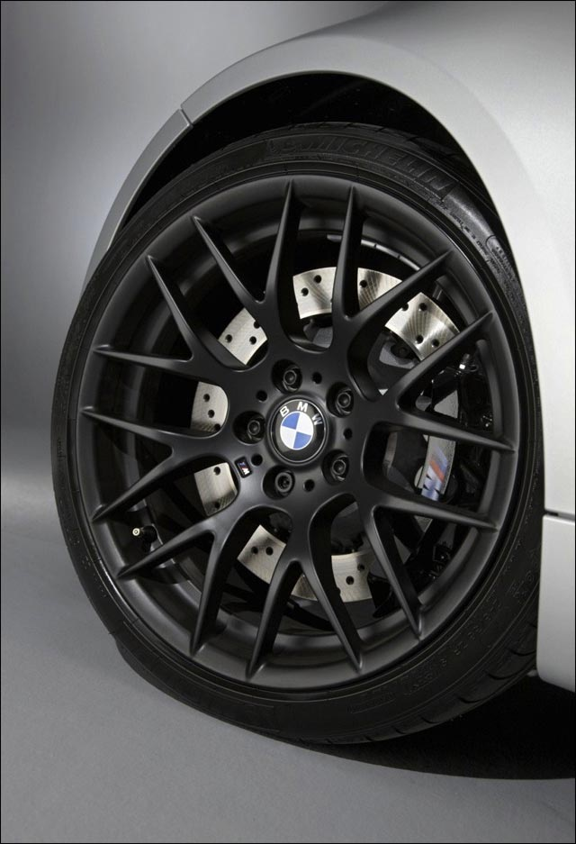 photo video hd BMW M3 CRT 2011 E90 berline GT 450ch prix neuf mandataire