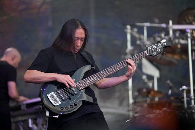 Dream Theatre John Myung photo concert Sonisphere Festival 2011 France live
