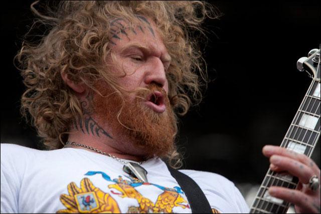 Mastodon concert Sonisphere Festival 2011 photo hd live Troy Sanders Brent Hinds