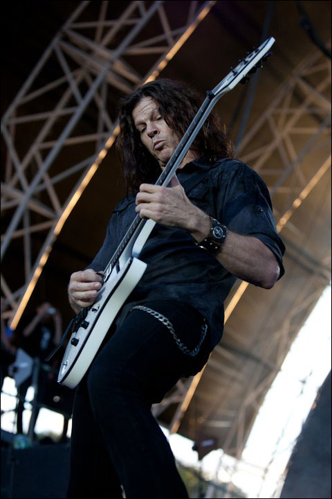 photo hd concert Megadeath Chris Broderick live at Sonisphere Festival 2011 France