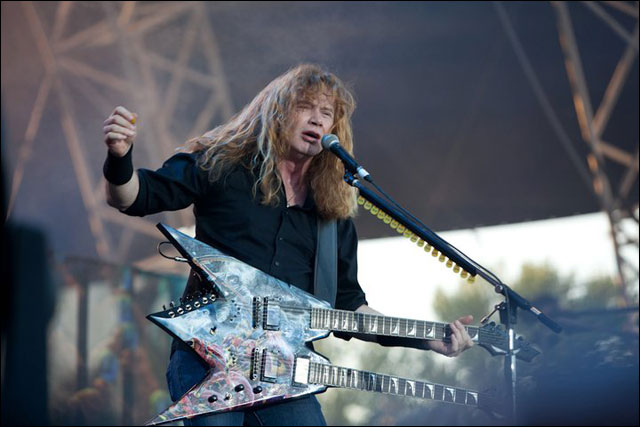 photo hd concert Megadeth Dave Mustaine live at Sonisphere Festival 2011 France