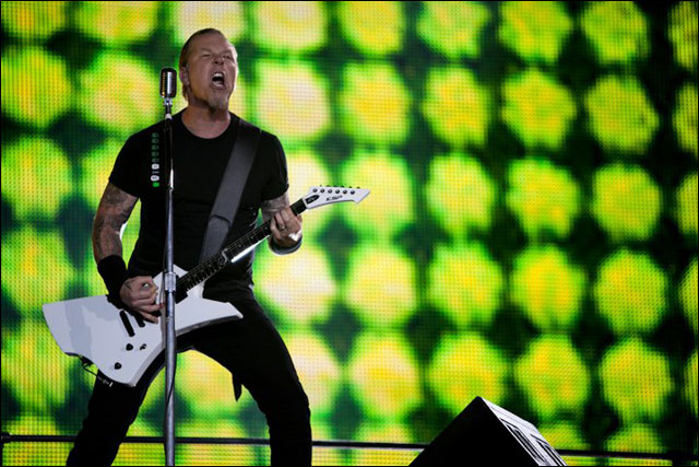 photo hd Metallica James Hetfield live concert Sonisphere Festival 2011 France