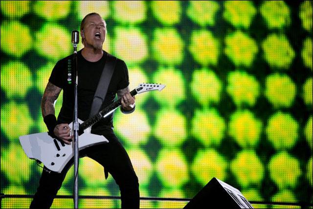 photo hd Metallica James Hetfield live concert Sonisphere Festival 2011 France