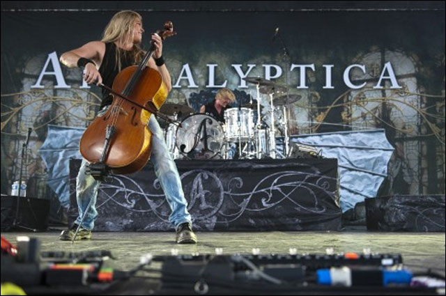 photos hd concert Apocalyptica live Foire aux Vins 2011 Colmar FAV Alsace Apocaliptica