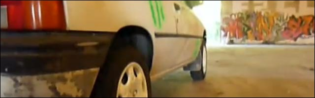 Gymkhana Peugeot 205 Ben Klock parodie Ken Block