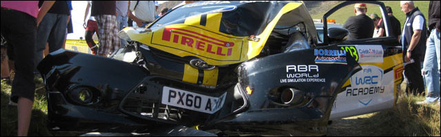 crash wrc impact arbre Ford Fiesta R2 WRC Rallye de France Alsace 2011 SS12