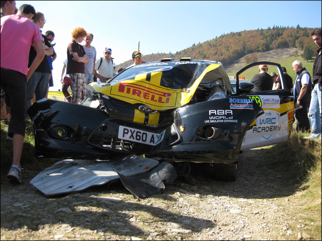 photo du crash Ford Fiesta R2 WRC team italia