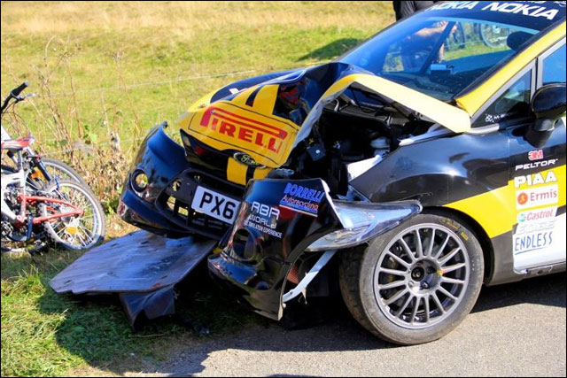 photo Rallye de France 2011 WRC route montagne Alsace crash Ford Fiesta S2000
