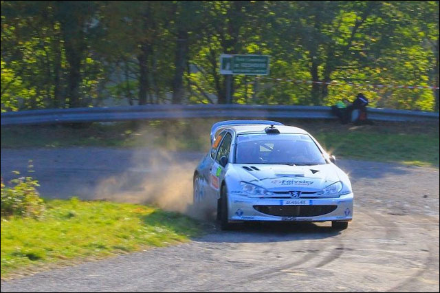 photo Rallye de France 2011 WRC route montagne Alsace Peugeot 206 S16 WRC