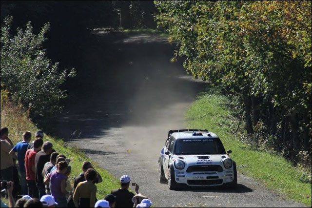 photo Rallye de France 2011 WRC route montagne Alsace Mini Countryman JCW WRC