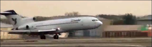 video insolite wheeling avion Iran Air train atterrissage avant skate