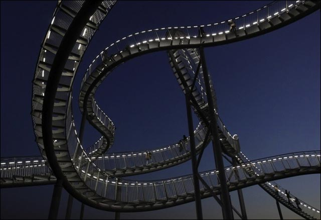 photos manege attraction walkable roller coaster grand huit pieton Allemagne
