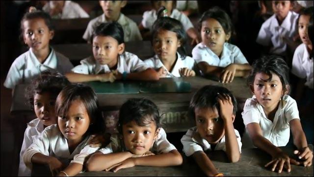 video hd lipdub Cambodge photo sourire visage enfant orphelinat reaction