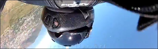 video hd GoPro basejump chute Jeb Corliss choc contre montagne wingsuit