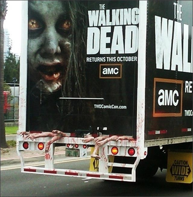 photo publicite mortelle insolite street marketing film the walking dead