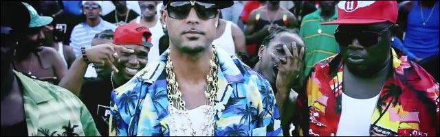 clip video Booba parodie chemise fleu chanteur Antoine logo Oakland Raiders