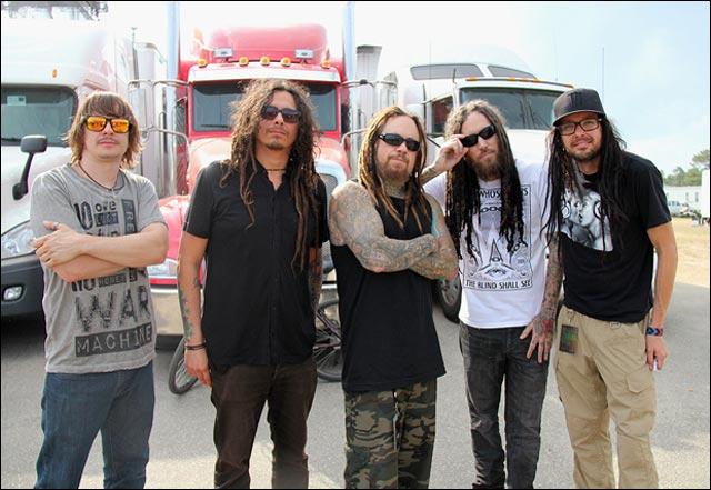 groupe musique Korn avec Brian Head Welch concert 2012 photo video